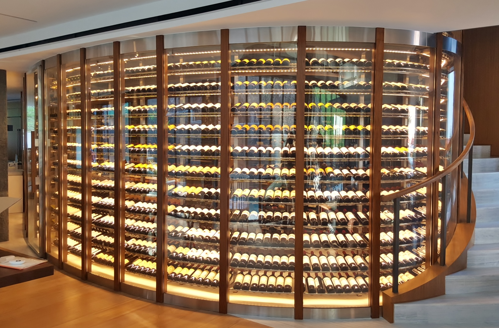 Customized Dimmable LED Lighting Wine Cellar